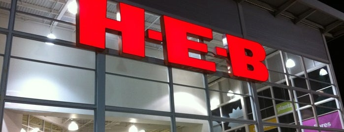 H-E-B is one of Lugares favoritos de Adiale.