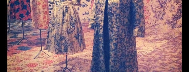 Modemuseum is one of Uitstap idee.