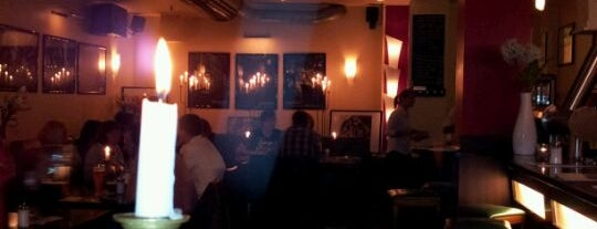 Cafe Giaccomo is one of Lieux qui ont plu à Myrto.