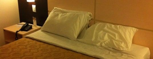 Comfort Hotel is one of Katy'ın Beğendiği Mekanlar.