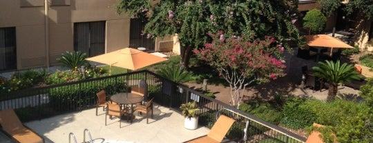 Courtyard by Marriott Houston Hobby Airport is one of David'in Beğendiği Mekanlar.