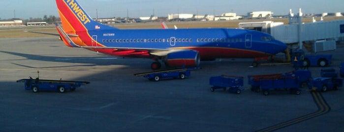 Charleston International Airport (CHS) is one of Charleston, SC.