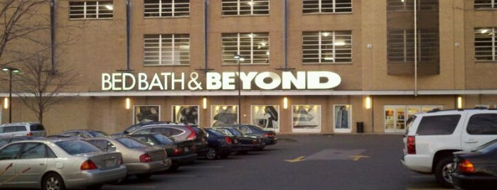 Bed Bath & Beyond is one of Lugares favoritos de Alberto J S.