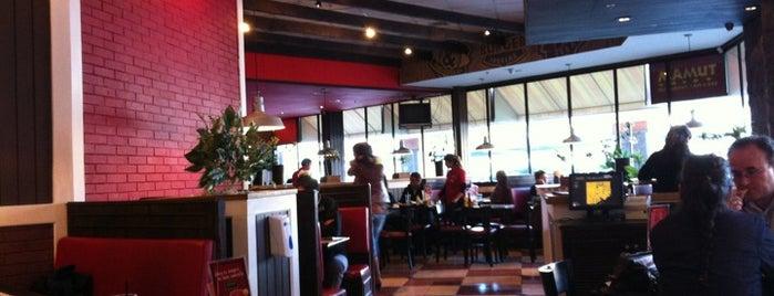 Mamut Restaurant is one of Posti che sono piaciuti a Natalia.