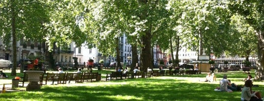 Berkeley Square is one of London.