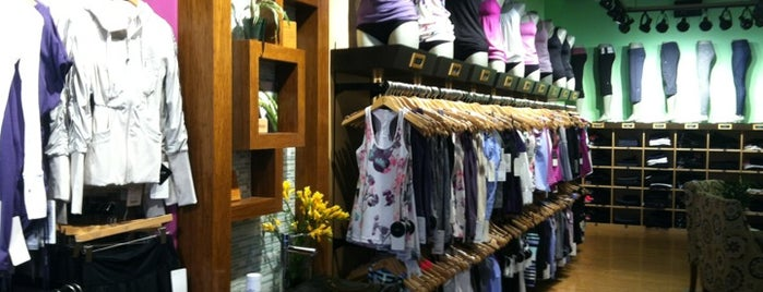 lululemon athletica is one of Lugares favoitos.