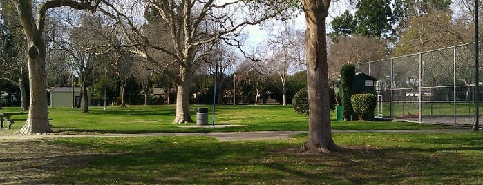 Wardlow Park is one of Tempat yang Disukai Dan.