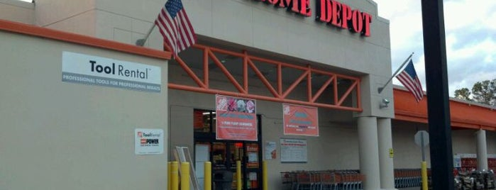 The Home Depot is one of Lieux qui ont plu à Tony.
