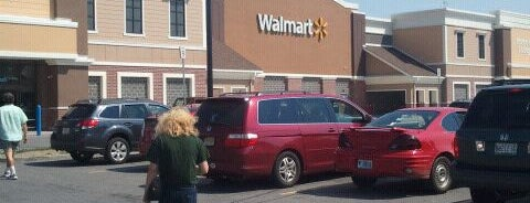 Walmart is one of สถานที่ที่ Lewando ถูกใจ.