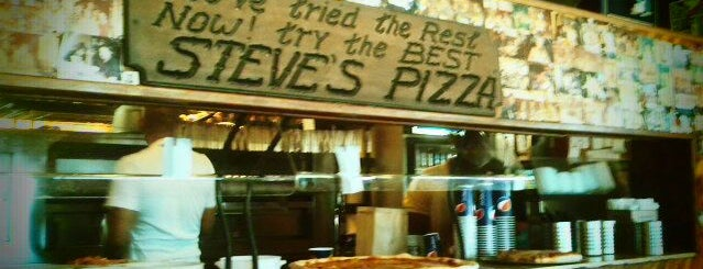 Steve's Pizza is one of Lieux sauvegardés par Nikkia J.