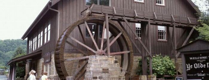Ye Olde Mill is one of สถานที่ที่ Stacia ถูกใจ.