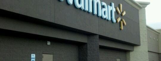 Walmart Supercenter is one of Tempat yang Disukai Jennifer.