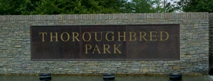 Thoroughbred Park is one of Lugares favoritos de Hannah.