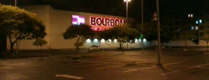 Bourbon Hipermercado is one of Lieux qui ont plu à Káren.