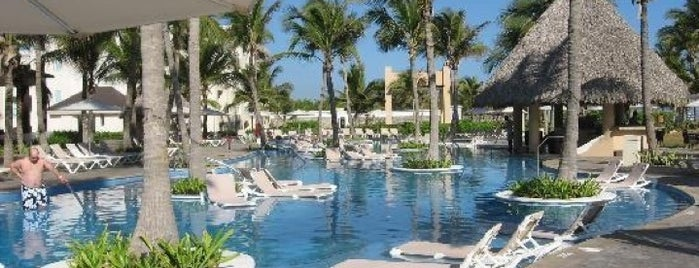 Hard Rock Hotel & Casino Punta Cana is one of สถานที่ที่ Alan ถูกใจ.