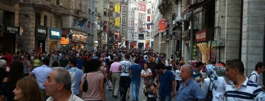 İstiklal Caddesi is one of Guide to İstanbul's best spots.