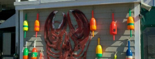 Petey's Summertime Seafood & Bar is one of New Hampshire.