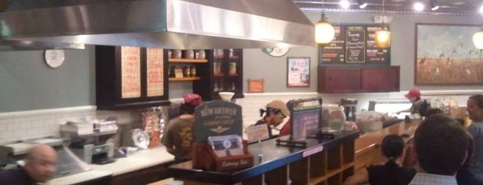 Potbelly Sandwich Shop is one of Lugares guardados de Sierra.