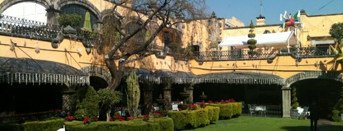 Antigua Hacienda de Tlalpan is one of Lugares favoritos de Annie.