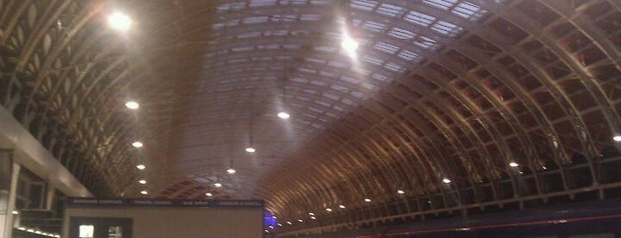 London Paddington Railway Station (PAD) is one of Stuff I want to see and redo in London.