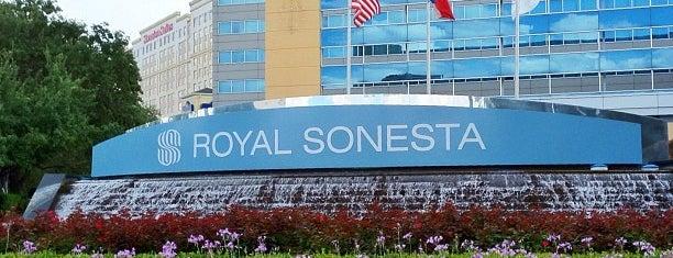 Royal Sonesta Hotel Houston is one of Vinhlhq2015'in Beğendiği Mekanlar.