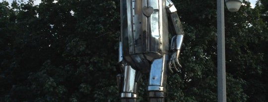 The Tin Man is one of Jeremy's Chicago List.