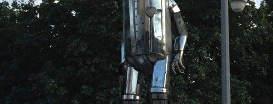 The Tin Man is one of Lugares guardados de Jason.
