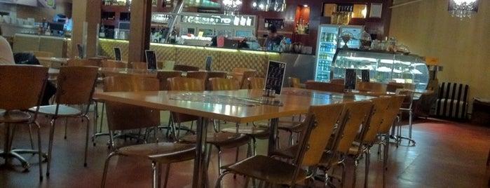 Cafe Piatto is one of Tempat yang Disukai El Micho.