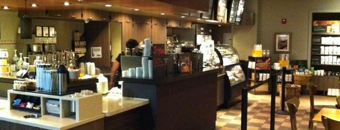 Starbucks is one of Sorora 님이 좋아한 장소.