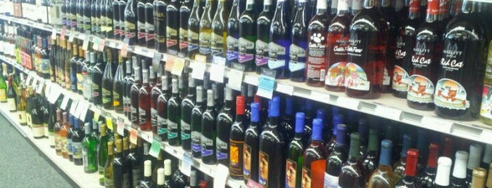 GCP Discount Liquors & Wines is one of Locais curtidos por Channing.