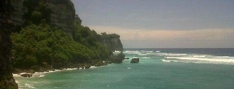 Pantai Suluban | Blue Point Beach is one of Bali.