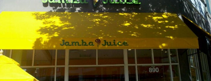 Jamba Juice is one of Orte, die Amber gefallen.