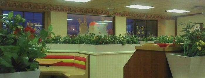 Chicken Express is one of สถานที่ที่ Sean ถูกใจ.