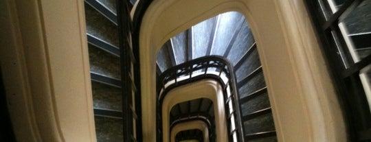 Foyer International des Étudiantes is one of Posti che sono piaciuti a Rowan.