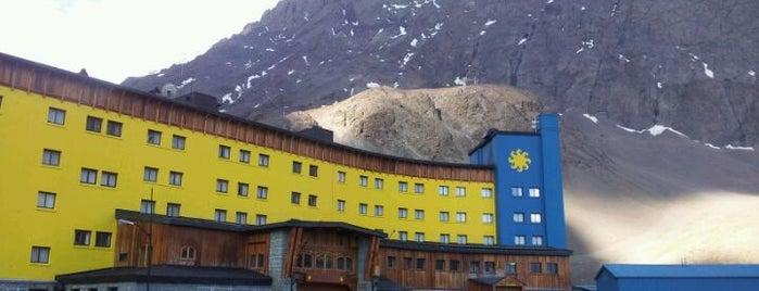 Hotel Portillo is one of Mix.