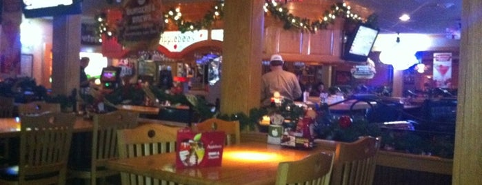 Applebee's Grill + Bar is one of Places To Eat.