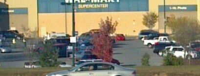 Walmart Supercenter is one of Tempat yang Disukai Johnathan.