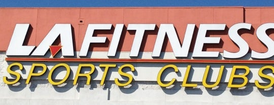 LA Fitness is one of Lieux qui ont plu à Laurenn.