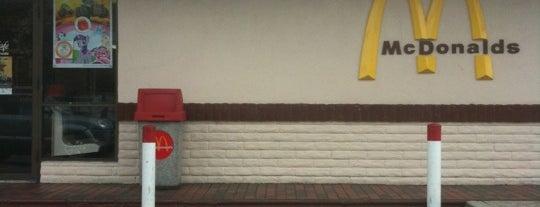 McDonald's is one of Orte, die Dan gefallen.