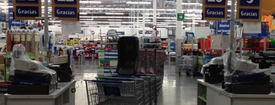 Sam's Club is one of Tempat yang Disukai Andrea.