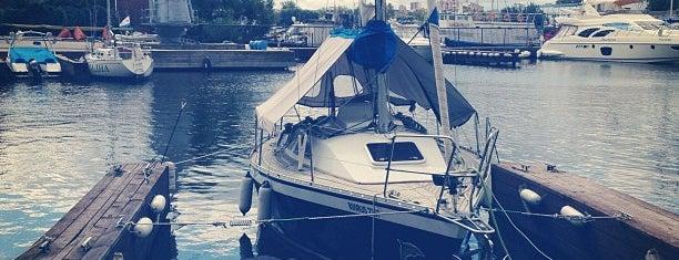 Яхт-клуб «Водник» is one of สถานที่ที่บันทึกไว้ของ Ilija.