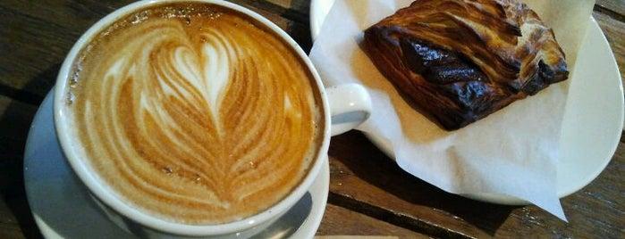 Café Laval is one of Orte, die JulienF gefallen.