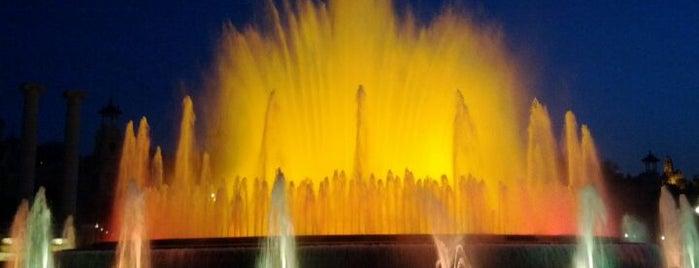 Fuente Mágica de Montjuïc is one of 101 llocs a veure a Barcelona abans de morir.