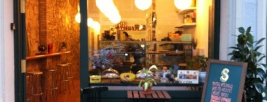 Strata Bakery is one of Desayunos y meriendas Bcn.