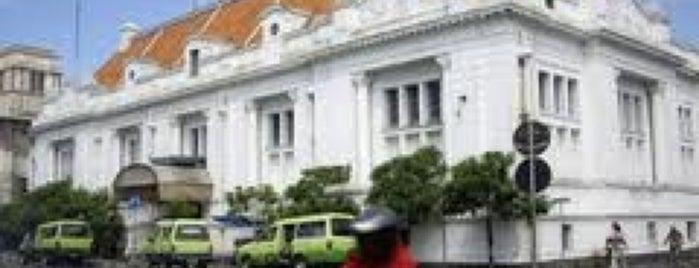 Gedung Garuda eks De Javasce Bank is one of Characteristic of Surabaya.
