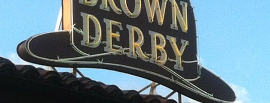 The Hollywood Brown Derby is one of Locais curtidos por Sarah.