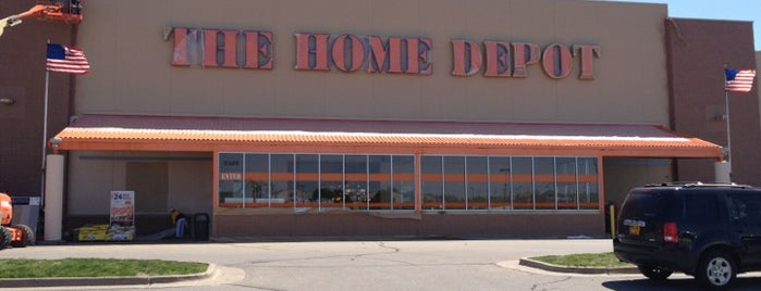 The Home Depot is one of Gさんのお気に入りスポット.