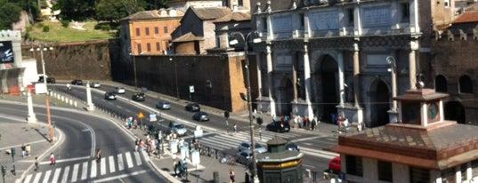 Piazzale Flaminio is one of Orte, die Chiara gefallen.