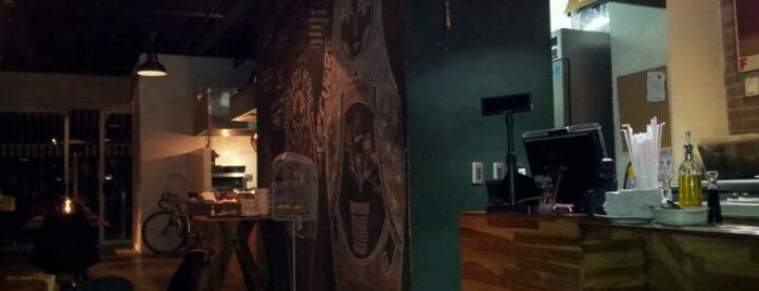 V de Verde is one of Restaurantes visitados.