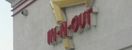 In-N-Out Burger is one of Tempat yang Disimpan Maverick.